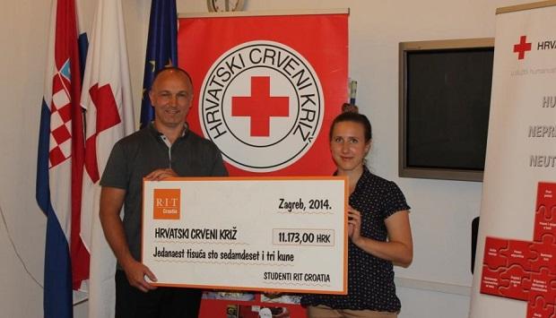 Uručenje donacije_g. Markt i Marina Ćaleta